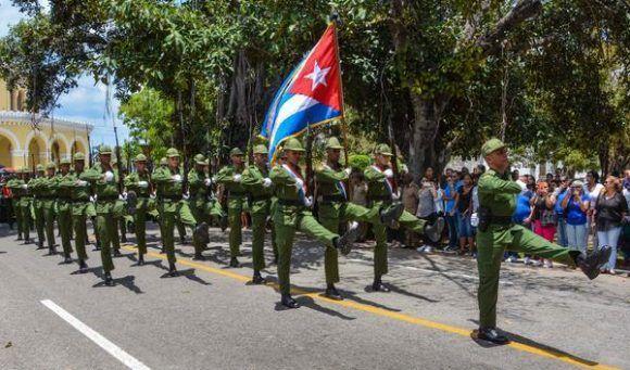 Ceremonia de Honras Fúnebres Militares, de los restos de los Oficiales fallecidos en el accidente aéreo del 29 de abril, en la Necrópolis Cristóbal Colón, en La Habana, Cuba, el 4 de mayo de 2017.    ACN FOTO/Marcelino VÁZQUEZ HERNÁNDEZ/ogm