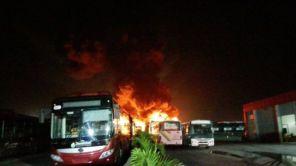 La empresa de autobuses fue víctima de las acciones de grupos terroristas, en horas de la madrugada de este lunes.