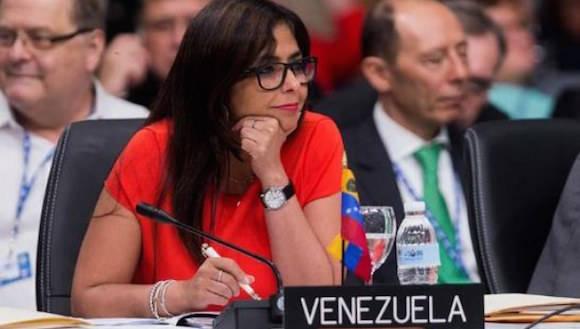 """""""Estamos muy complacidos porque hemos tenido el apoyo mayoritario de los países que han compartido con Venezuela esta preocupación de lo que está ocurriendo en la OEA"""", dijo la Canciller Delcy Rodríguez. Comentó que varias delegaciones, entre ellas la de Nicaragua, alertaron sobre la grave crisis institucional que ha provocado Almagro por su falta de comportamiento ético y moral en relación con Venezuela, ataques que están socavando las bases de la OEA."""