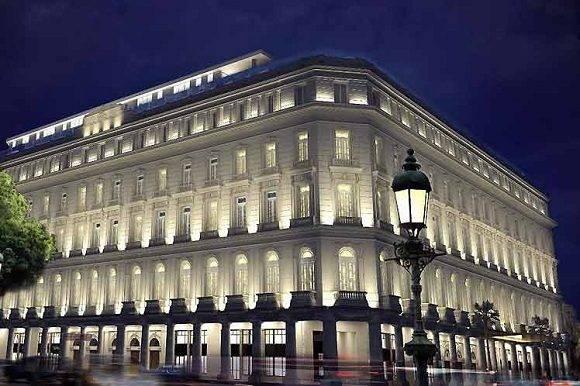El Gran Hotel Manzana Kempinski de La Habana que abrirá sus puertas este mes, según anuncios oficiales. Foto: Roberto F. Campos.