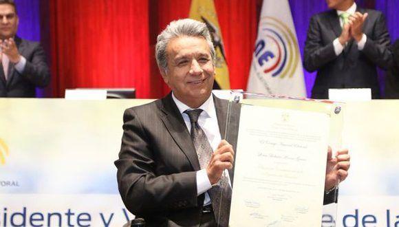 Lenin Moreno recibe las credenciales como presidente electo del Ecuador. Foto/@cnegobec.