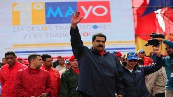 https://golpeandoelyunque.files.wordpress.com/2017/05/maduro-en-acto-por-el-primero-de-mayo-2017-foto-prensa-presidencial-580x327.jpg?w=584
