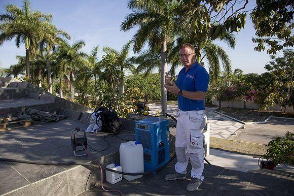 El Alemán Michael Diegmann y la empresa MD Projektmanagement, participan en la restauración de la Tribuna del Complejo Escultórico Ernesto Guevara, de Santa Clara. Foto: Ismael Francisco/Cubadebate.