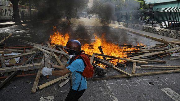 La violencia de la oposición en Venezuela ha causado decenas de muertos. Foto: Reuters.
