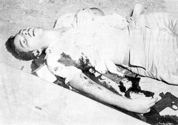 Frank recibió 22 balazos a sangre fría. Los esbirros colocaron la pistola junto a su cuerpo para que pareciera que se había resistido.