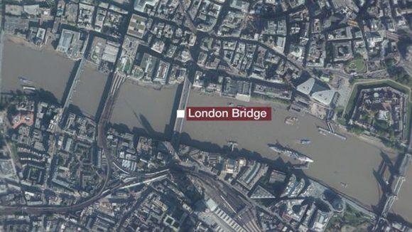 El incidente en el Puente de Londres ocurrió en las primeras horas de la noche.