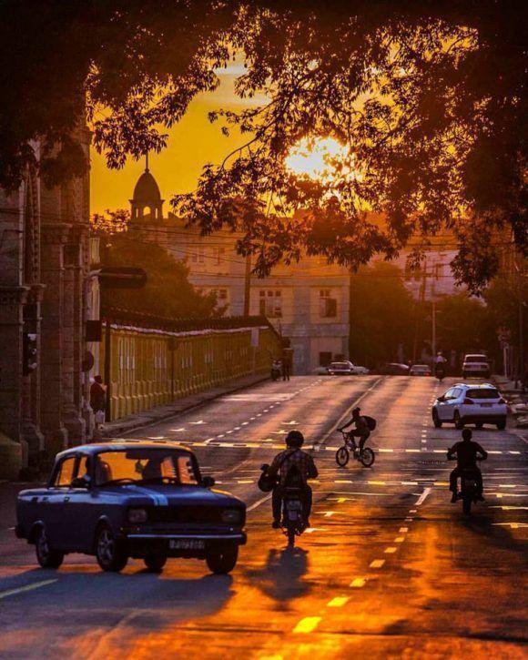 La luz dorada sobre el Vedado, La Habana. Foto: Desmond Boylan (Tomada de su pagina de Facebook)