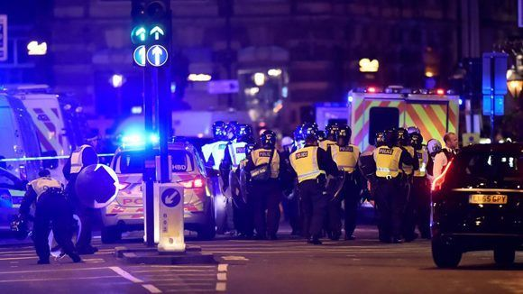 La policia trabajando en la zona del atropello. Foto: AP.
