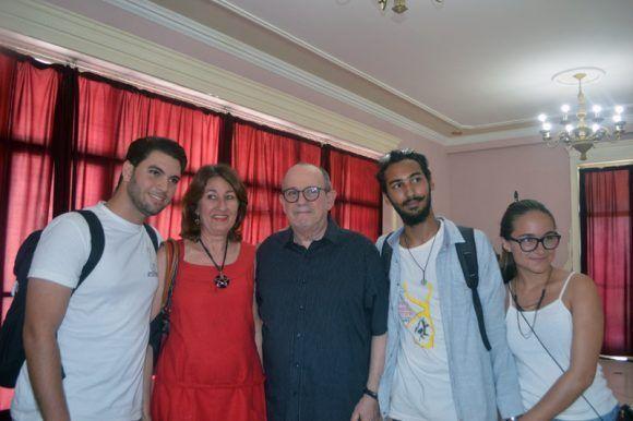 Silvio Rodríguez al recibir el Doctorado Honoris Causa de la Universidad de las Artes. Foto: Marianela Dufflar / Cubadebate