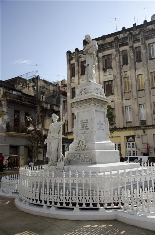 Monumento dedicado a Francisco de Albear y Lara, una obra del escultor cubano José de Villalta y Saavedra. Foto: Alexis Rodríguez/ Habana Radio.