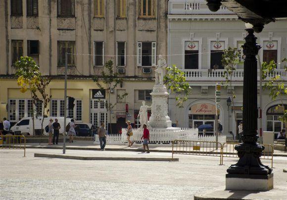 El parque de Albear en La Habana Vieja. Foto: Alexis Rodríguez/ Habana Radio.