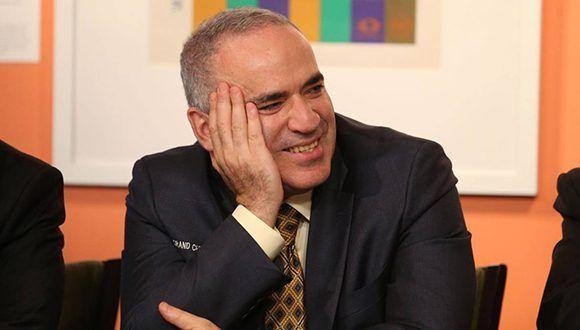 Garry Kasparov regresó al ajedrez tras 12 años sin disputar partidas en torneos oficiales. Foto: AFP.