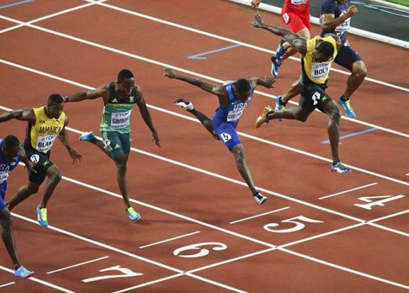 Justin Gatlin gana los 100 metros del Mundial. Foto: Reuters.