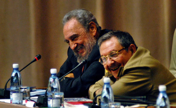 Fidel y Raúl en la Asamblea Nacional. Foto: Ismael Francisco/ Cubadebate