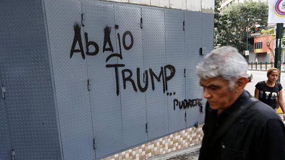 Pintada contra Trump en Caracas, capita de Venezuela. Foto: AP.